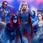 """I Supereroi dell'Arrowverse contro il Coronavirus: """"I veri eroi indossano le maschere"""" (FOTO)"""