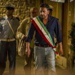 Il sindaco pescatore, trama e cast del film con Sergio Castellitto